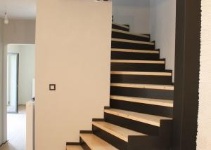 schodiště-1-300x214